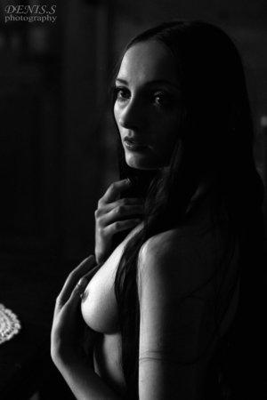 fot. Denis Siejtbatałow – Lacrima Mosa photomodel