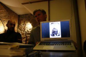 """fot. Adrian Aleksiewicz - wykład: """"Literatura podzielona fotografią"""""""
